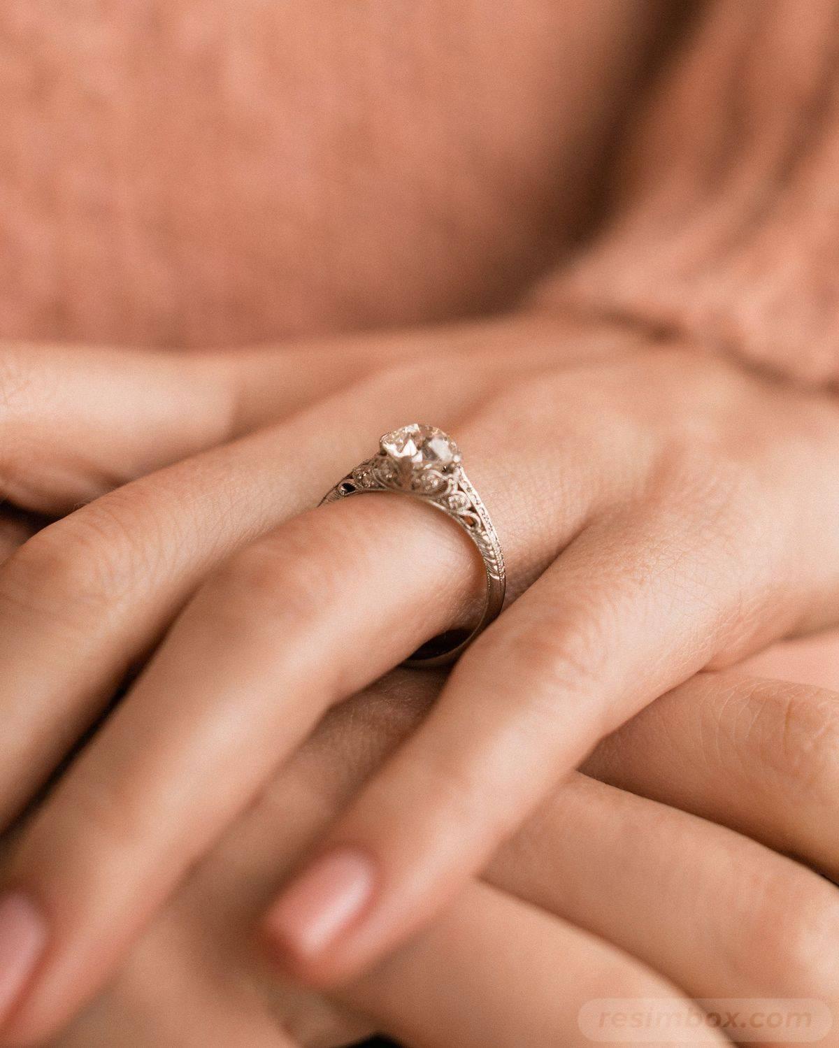 Art deco engagement ring-382594930841877468