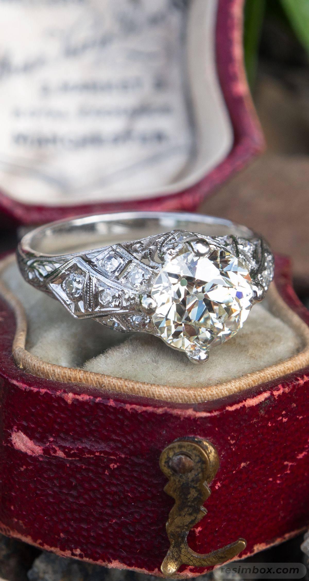 Art deco engagement ring-104708760072697388