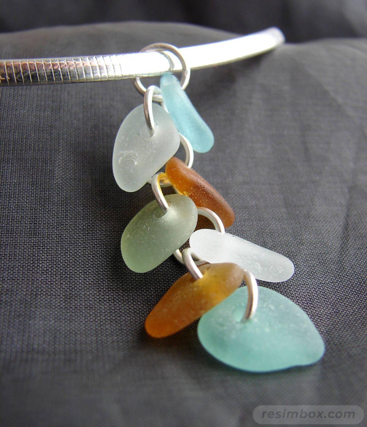 Beach glass jewelry-AeKPKo-rb7H_GiNjTitypW7_XgMniiujE0rBpl0xMal01UQYcBoPd84