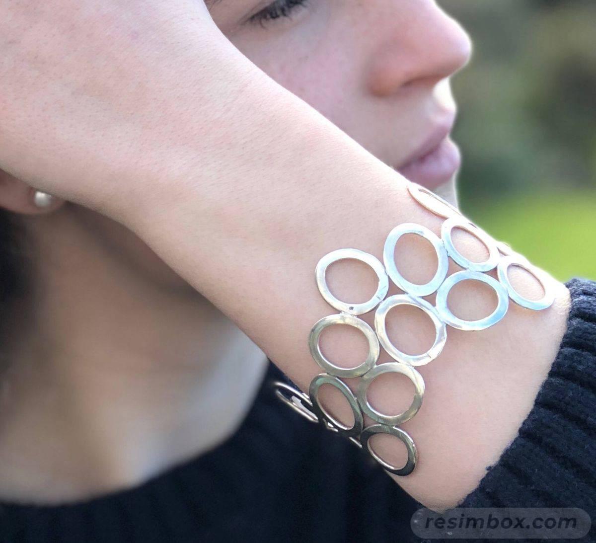 Bangle bracelets-AU6b_8m0zYub9PXwaunKzgeL2otCGvUoOkQY-RgqVIuWLky4htc0774