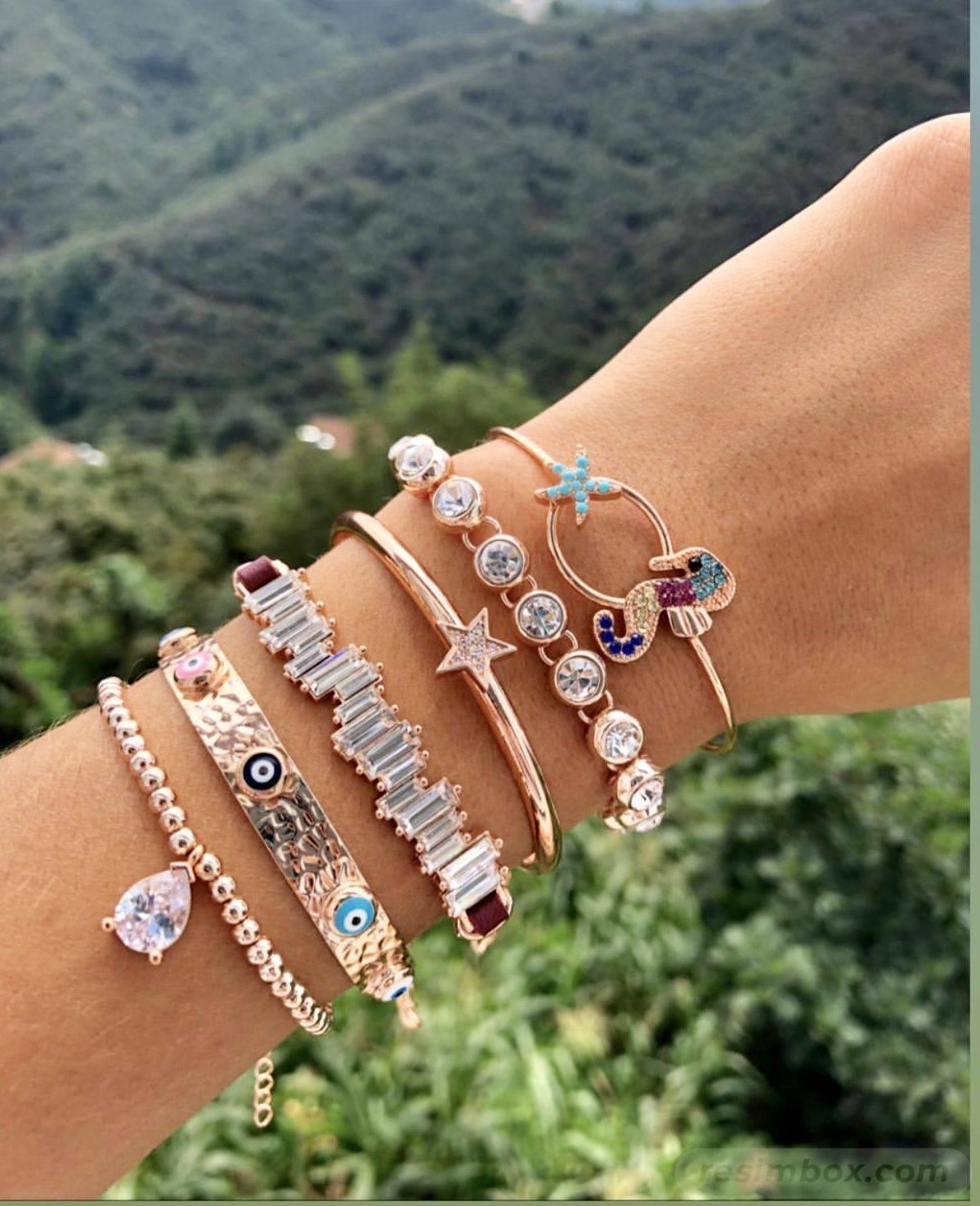 Bangle bracelets-836402962029140336
