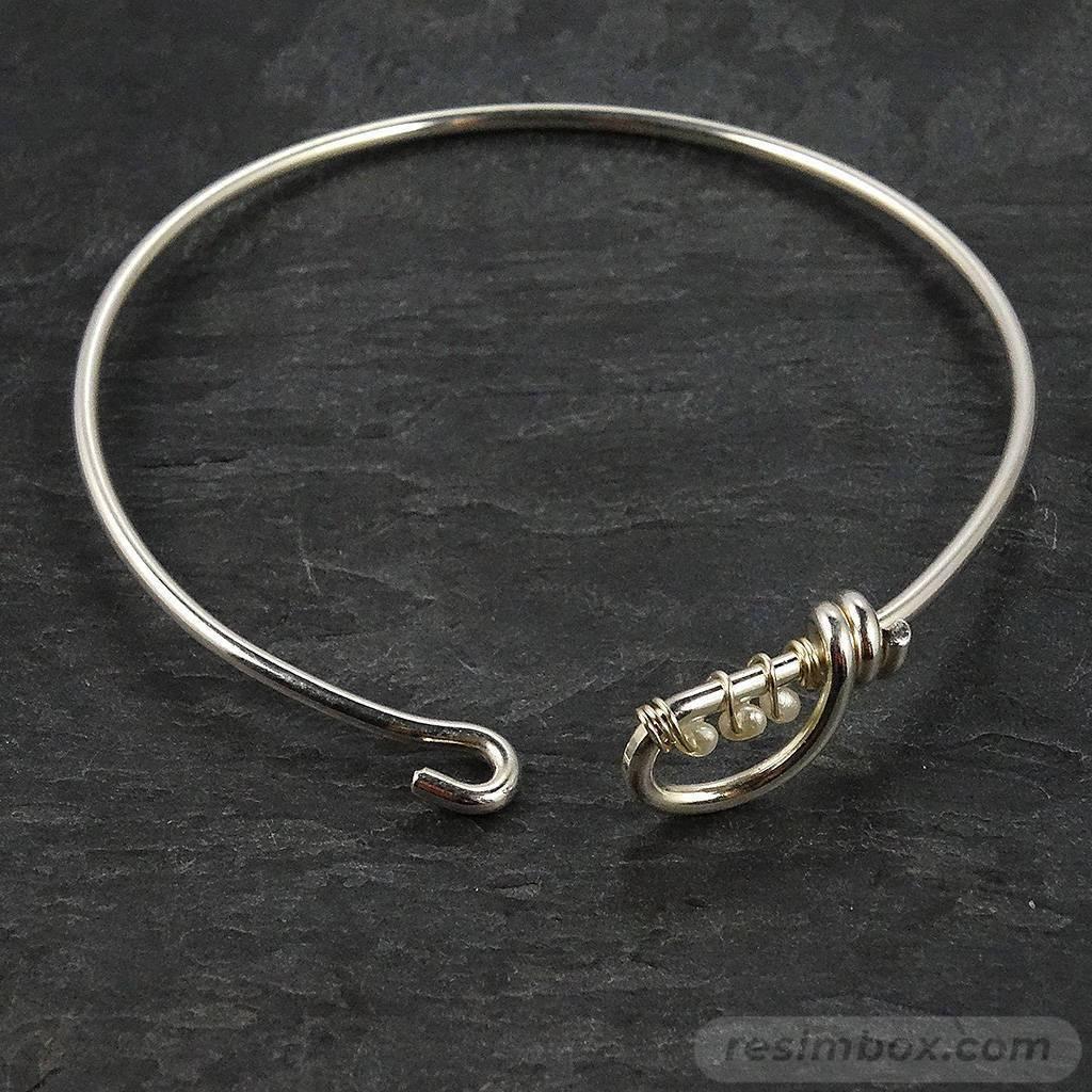 Bangle bracelets-858217272717290355