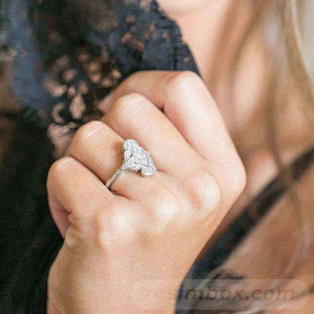 Art deco engagement ring-471541023486481577