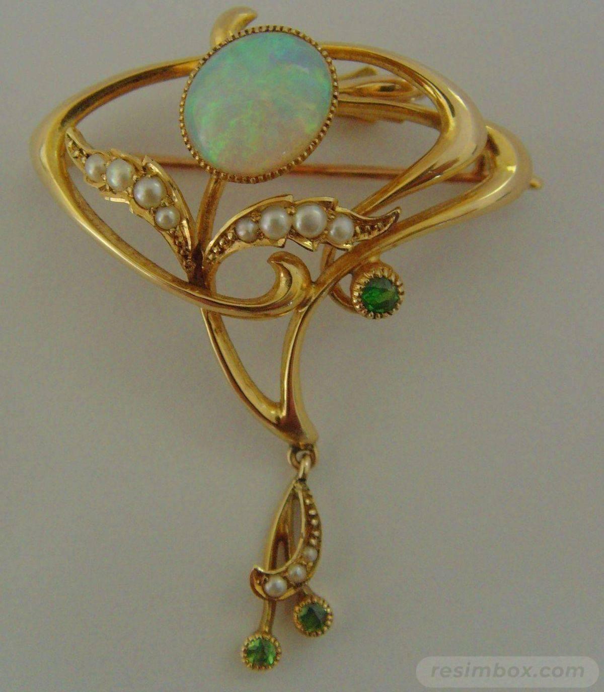 Art deco jewelry-514958538637333603