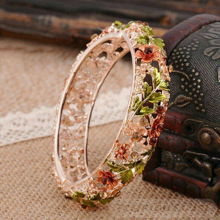 Bangle bracelets-647744358882678413