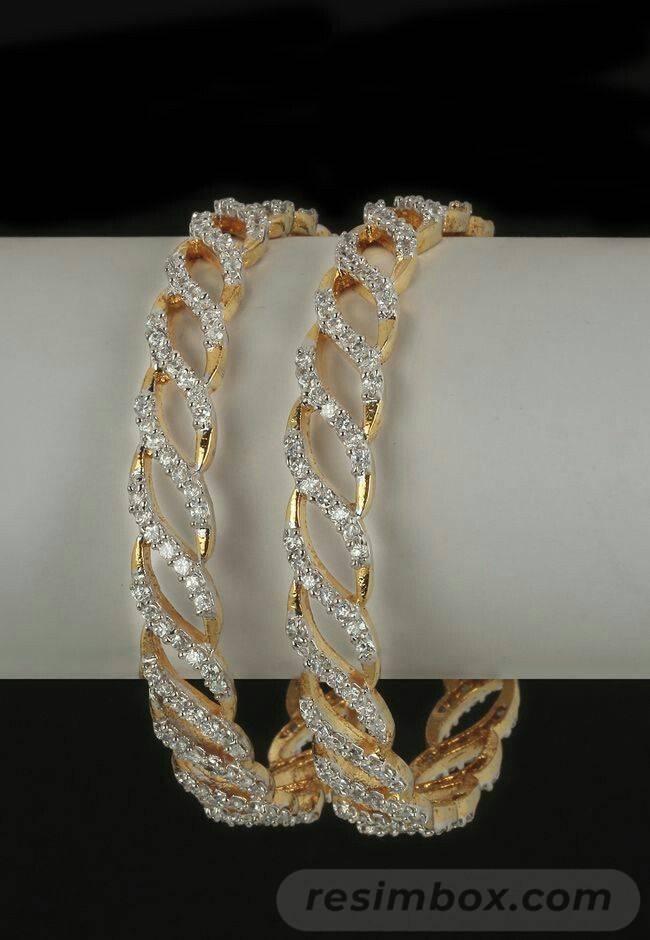 Bangle bracelets-708965166313285332