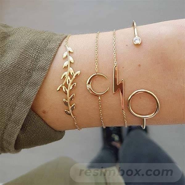 Bangle bracelets-558235316311770314
