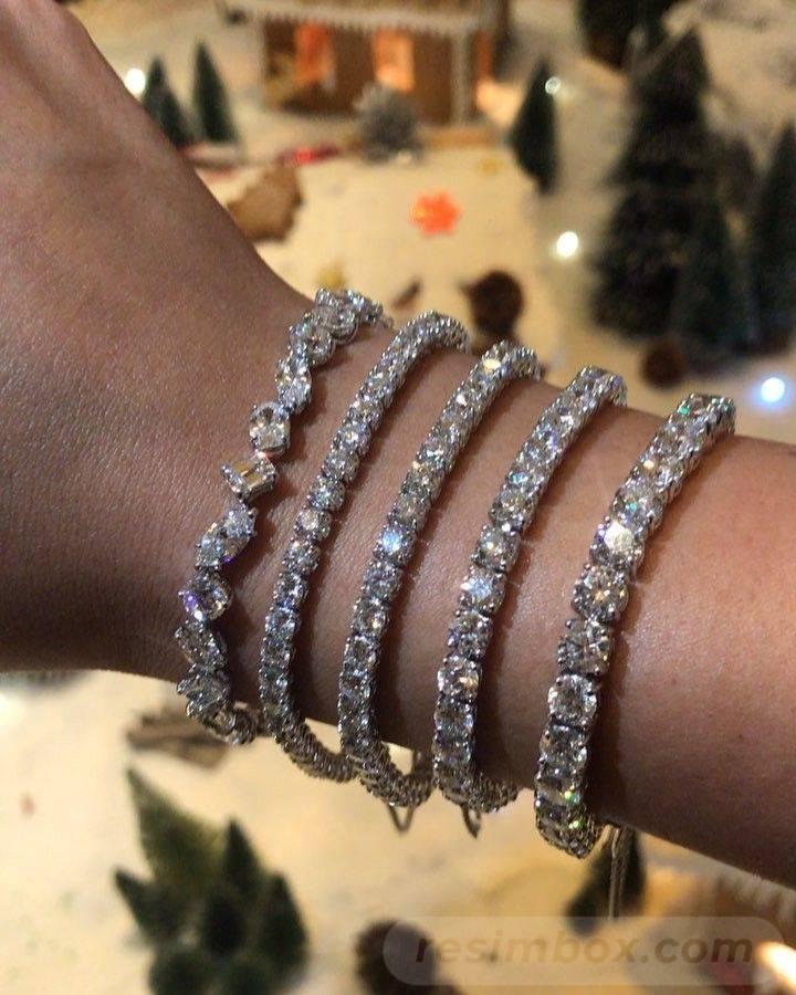 Bangle bracelets-741968107338578868