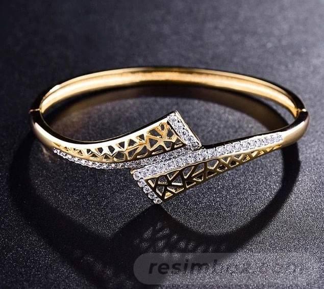 Bangle bracelets-785455991238525978