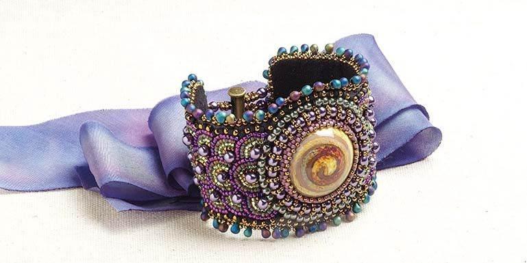 beadingdaily-bead-embroidery-patterns-tutorials-37647346865970919