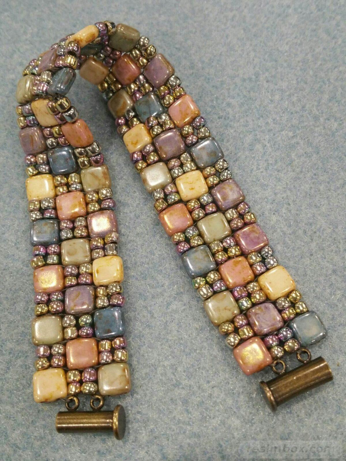 Beaded jewelry-92605336075076917