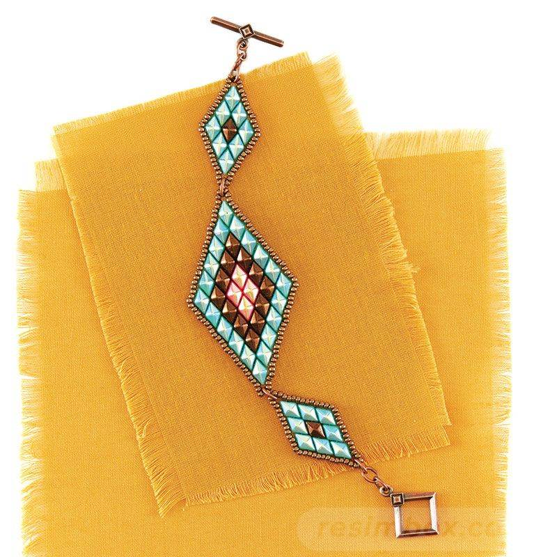 beadingdaily-beading-with-shaped-beads-37647346865504087