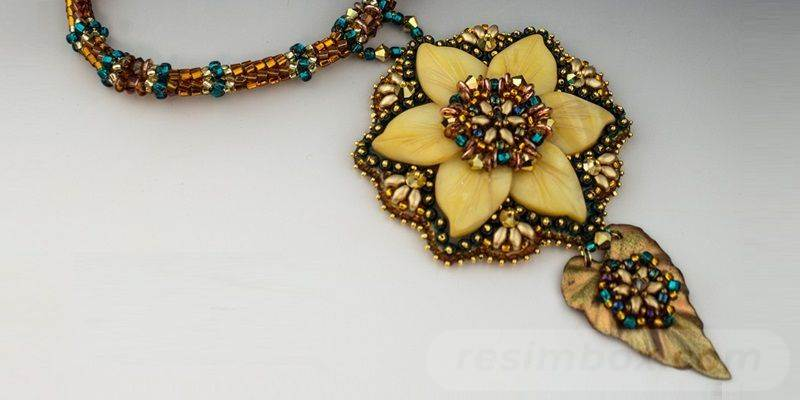 beadingdaily-beaded-ropes-and-beaded-necklace-projects-37647346869933966