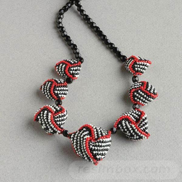 beadingdaily-beaded-beads-37647346868642865