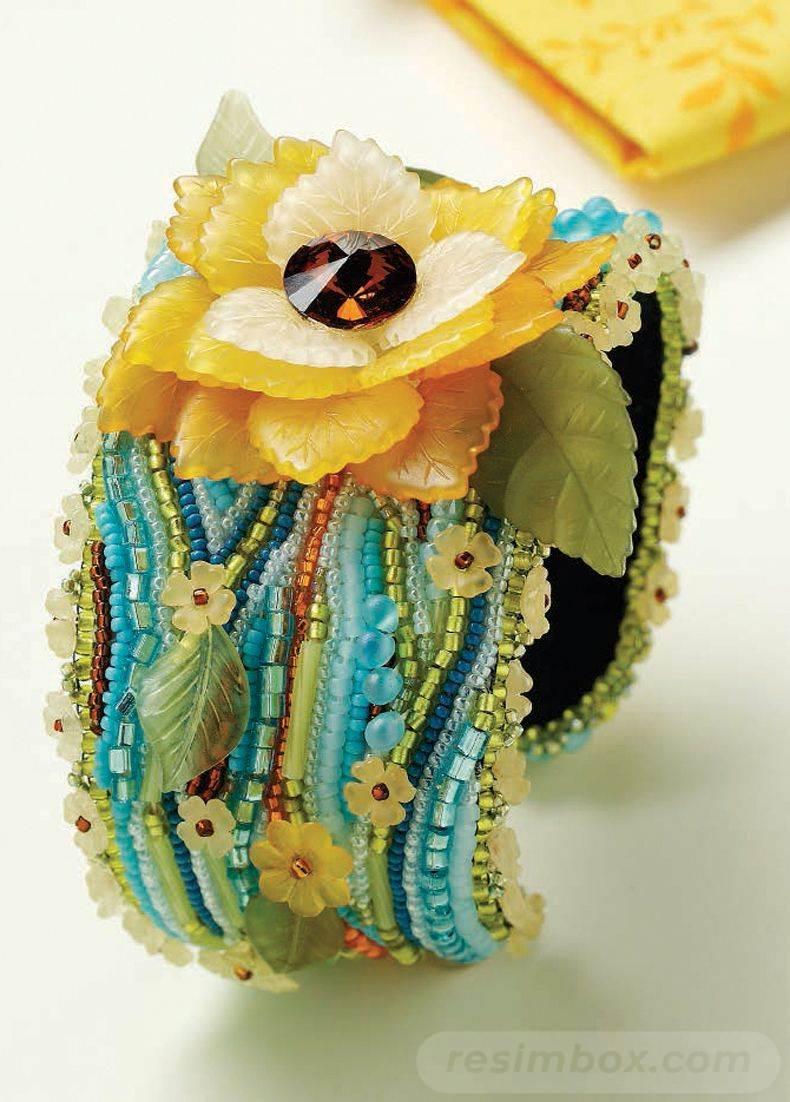 beadingdaily-bead-embroidery-patterns-tutorials-37647346863167040