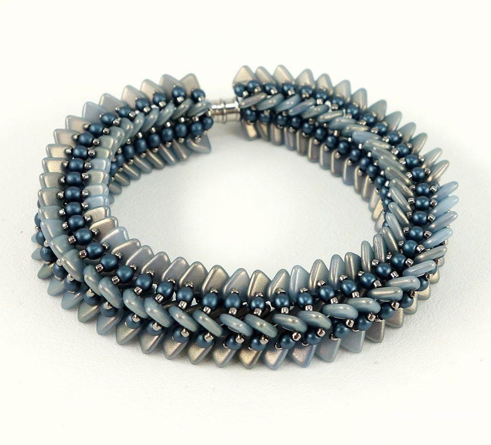 beadingdaily-beading-with-shaped-beads-37647346863684157